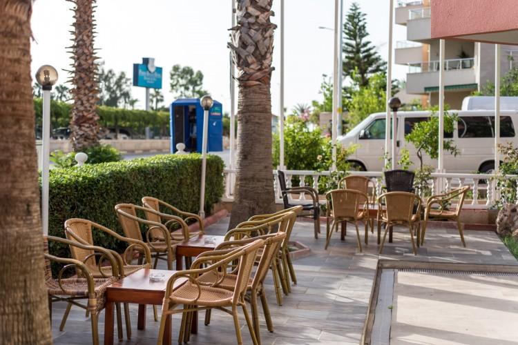 Zel Hotel - Bahçe